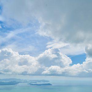 東日本大震災。海と空はいつも通りうつくしい。