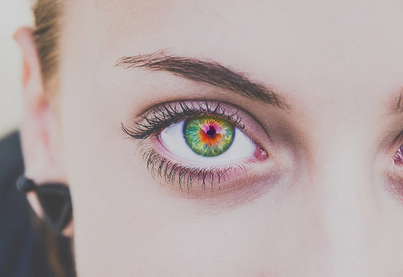 オーラを視る瞳