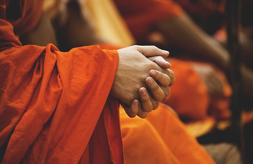 仏教僧の祈り