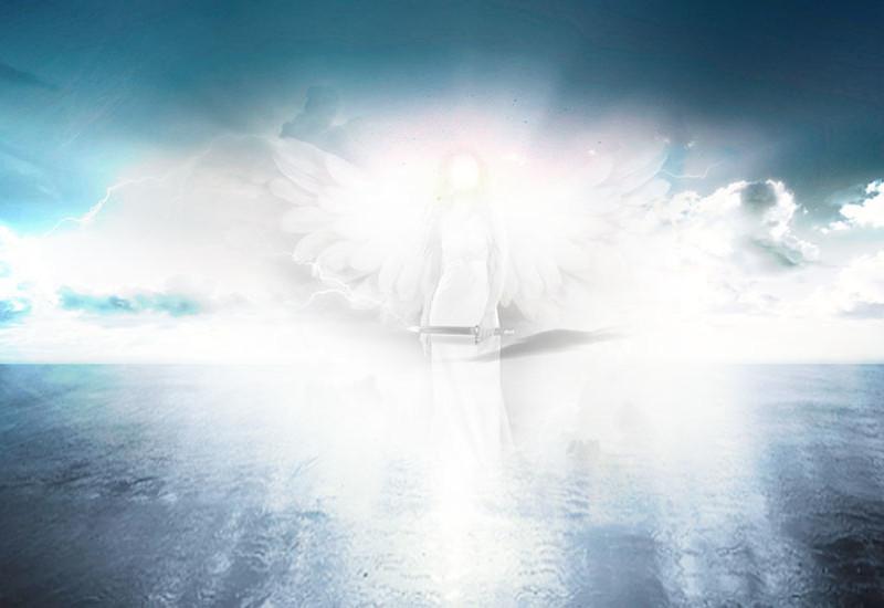 青い世界の天使の画像