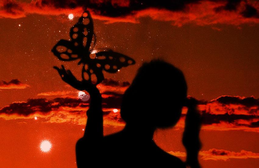 死の世界と黒い蝶